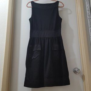 black sleeveless boatneck jumper dress